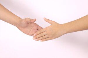 遺言書で生命保険の受取人を変更する方法と注意点
